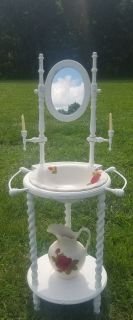 Antique Farmstyle Country White Vanity