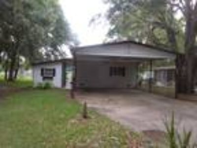 Spacious 2/2 Double Wide Manufactured Home in b...