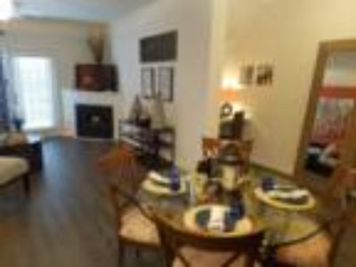 Marcus Pointe Apartments - Tanglewood