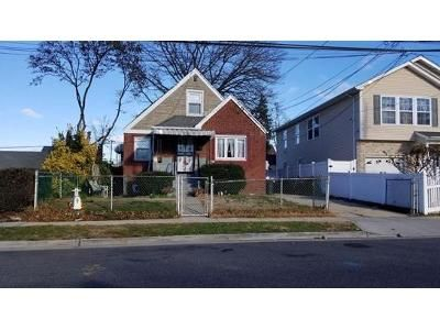 4 Bed 1 Bath Foreclosure Property in Uniondale, NY 11553 - Beck St