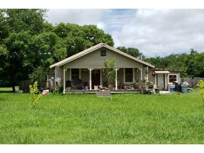 2 Bed 1 Bath Preforeclosure Property in Little River Academy, TX 76554 - Brookman S
