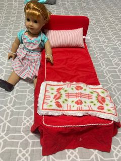 MARYELLEN AMERICAN GIRL DOLL, AMERICAN GIRL BED, QUILT, RUG & PILLOW