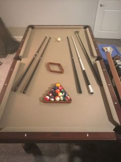 Beautiful Olhausen 8' Pool Table