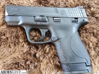 For Sale: Smith & Wesson M&P shield 40 Cal