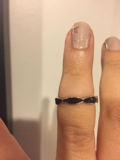 Black enamel and sterling silver ring size 7 - marked 925