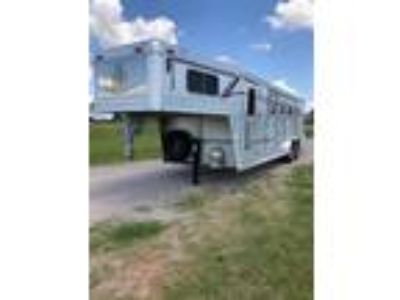 1997 4 Star 4 HORSE WITH LQ 4 horses