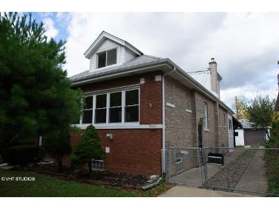 4 Bed 2 Bath Foreclosure Property in Chicago, IL 60630 - N Lynch Ave
