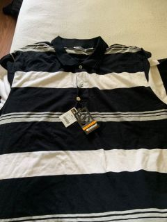 Black and white short sleeve dress shirt $6