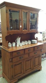 $399, Great Solid Maple Hutch Beautiful Great condition perfect  for any room