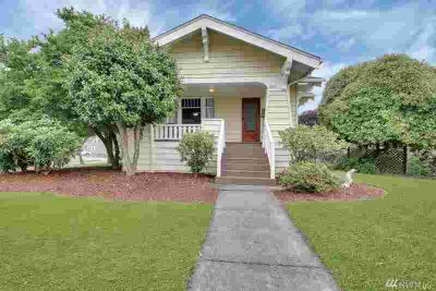 1835 Franklin St Enumclaw Three BR, Charming craftsman home on a