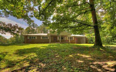 229 Wolfe Dr Farner Three BR, Country Living at its