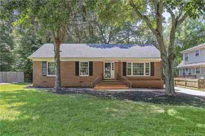 7735 Surreywood Place CHARLOTTE Three BR, Attractive full brick