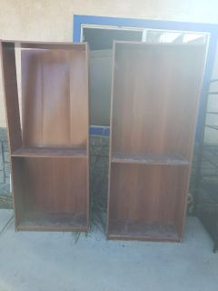 Free Bookshelves with 3 additional shelves