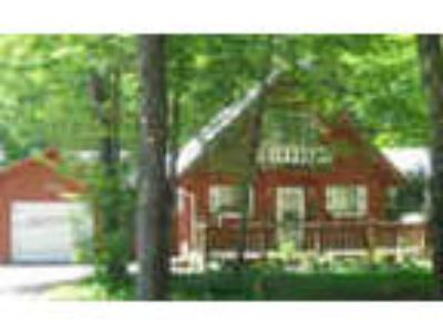 Pocono Farms Four BR 2 Five BA Chalet Rental W Garage amp Amenities Mls pm
