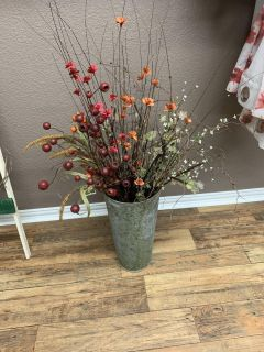 Tin vase w/assortment of floral. Individual stems to decorate with. Brazoria home pickup.