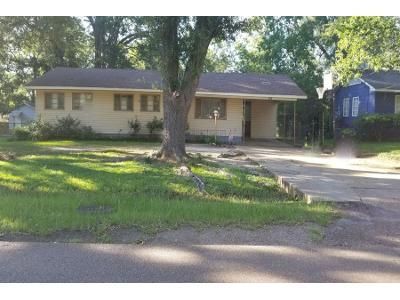 Preforeclosure Property in Jackson, MS 39206 - Cedarhurst Dr