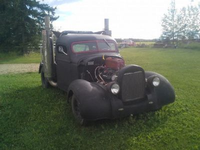 1942 International RAT ROD (Black)