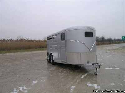 2016 Calico, 3 horse trailer dressing room