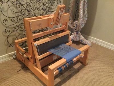 Schacht table loom