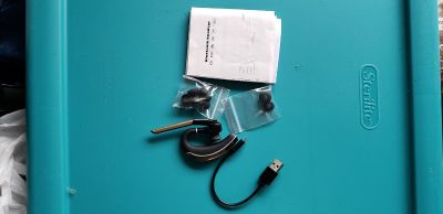 New single bluetooth ear piece with microphone