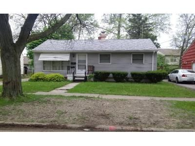 3 Bed 2 Bath Preforeclosure Property in Flint, MI 48507 - Mohawk Ave