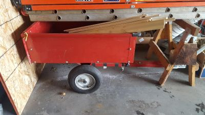Wagon with trailer hitch