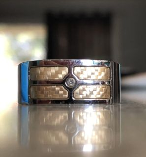 men s ring - paid $300 stainless steel & 18k gold