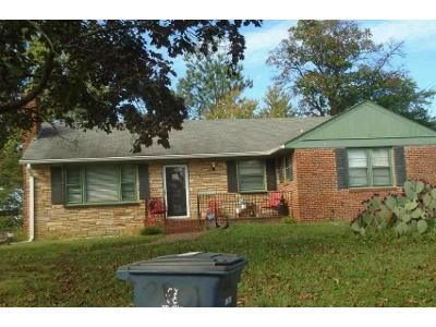 3 Bed 1 Bath Foreclosure Property in District Heights, MD 20747 - East Ave
