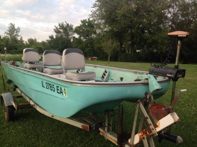 FISHING BOAT 15' FIBERGLASS 25 HP JOHNSON MOTOR