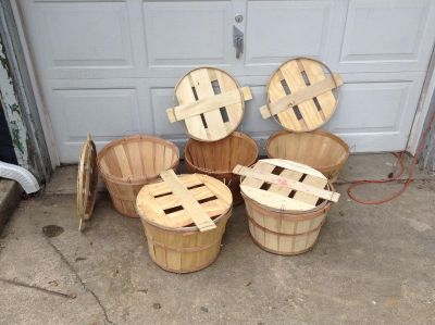 Bushel Baskets with Side Handles and tops