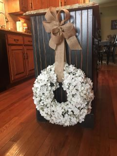 ADORABLE WREATH ! Measures 18 inches in width . So many ways to use ! Upclose of flowers included