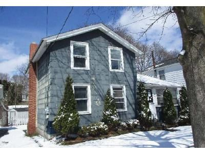 2 Bed 1 Bath Foreclosure Property in Auburn, NY 13021 - West St