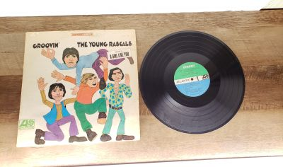 Groovin The Young Rascals