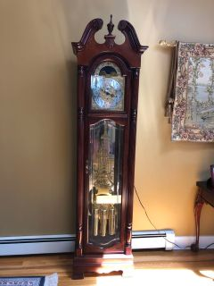 Howard Miller Rochester Traditional Floor 3 Weight Grandfather Clock