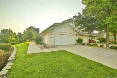 5808 S Shadow Wood Pl Sioux Falls Three BR, Beautiful condo in