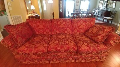 Couch Must sell quick. Very good condition.