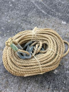 Rope with pulleys