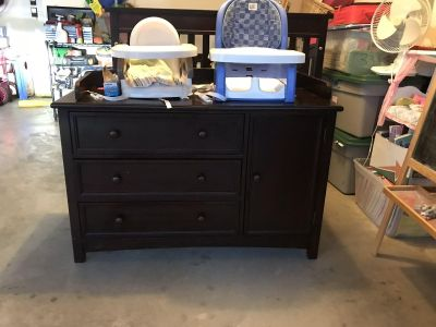 dark brown changing table/dresser EUC. $100 Pick up in Spring Hill.