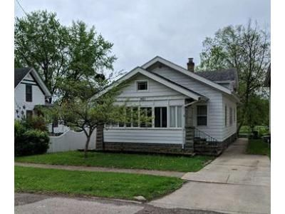 2 Bed 1 Bath Foreclosure Property in Rockford, IL 61104 - 5th Ave