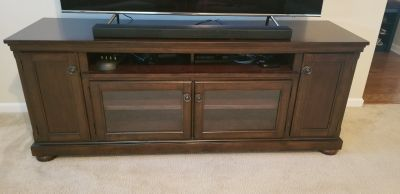 Large TV stand/cabinet