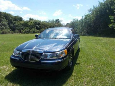 Used 2001 Lincoln Town Car for sale