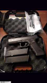 For Sale: Glock 22 Gen 4 like new condition