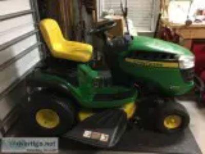 John Deere Tractor D
