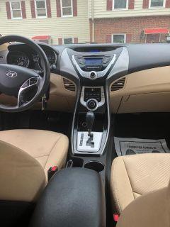 2011 Hyundai Elantra GLS (Tan)