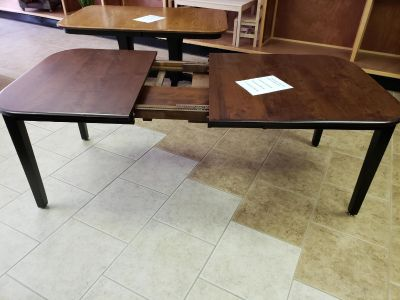 Amish dining table with 2 self storing leaves