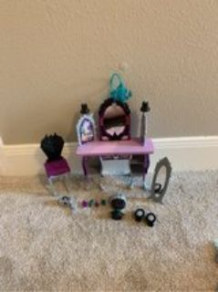ever After High- Raven Queen s desk