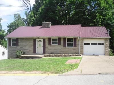 4 Bed 2 Bath Foreclosure Property in Charleston, WV 25303 - Sutherland Dr