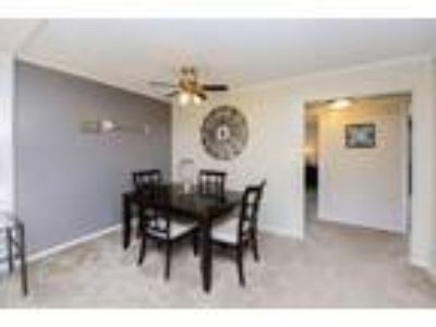 Oxford Manor Apartments & Townhomes - Three BR 1.5 BA