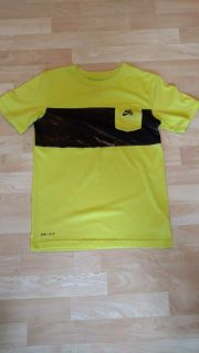 Nike SB Dri Fit Shirt Size Large Excellent Cond. Smoke Free