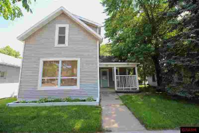 822 N Broadway Street NEW ULM, Adorable and cozy 2 BR